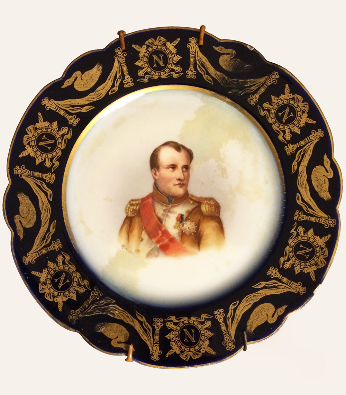 SEVRES  - Porcelana - Retrato Napoleon I - Pintado a mano - Firmado - Cuño Sevres - época 1790 - 1800